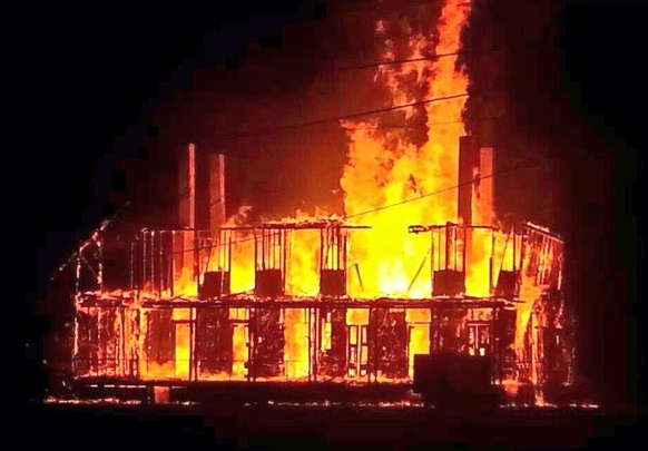 Historic LeBeau plantation burns to the ground: 7 ghost hunting men arrested | #Louisiana